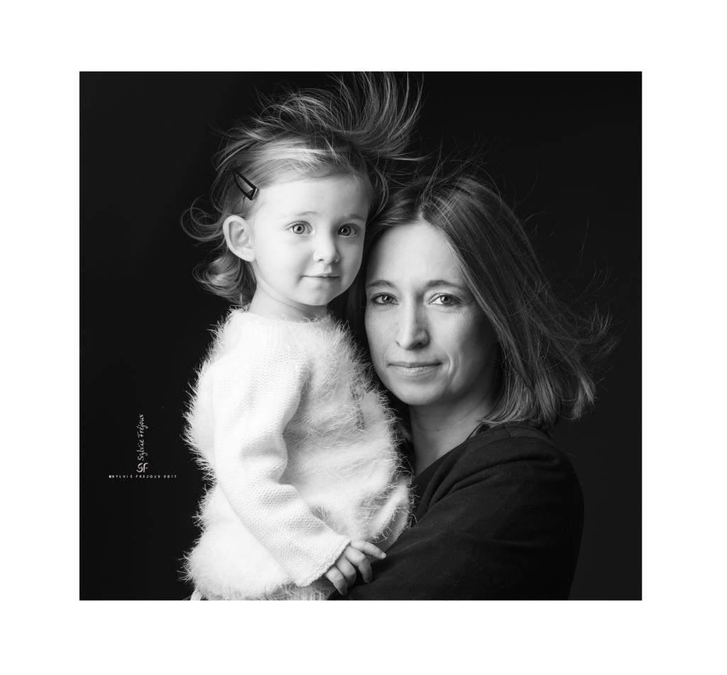 photographe de portrait d'enfant à toulon-Emilie2
