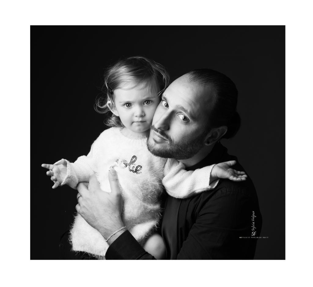 photographe de portrait d'enfant à toulon-Emilie