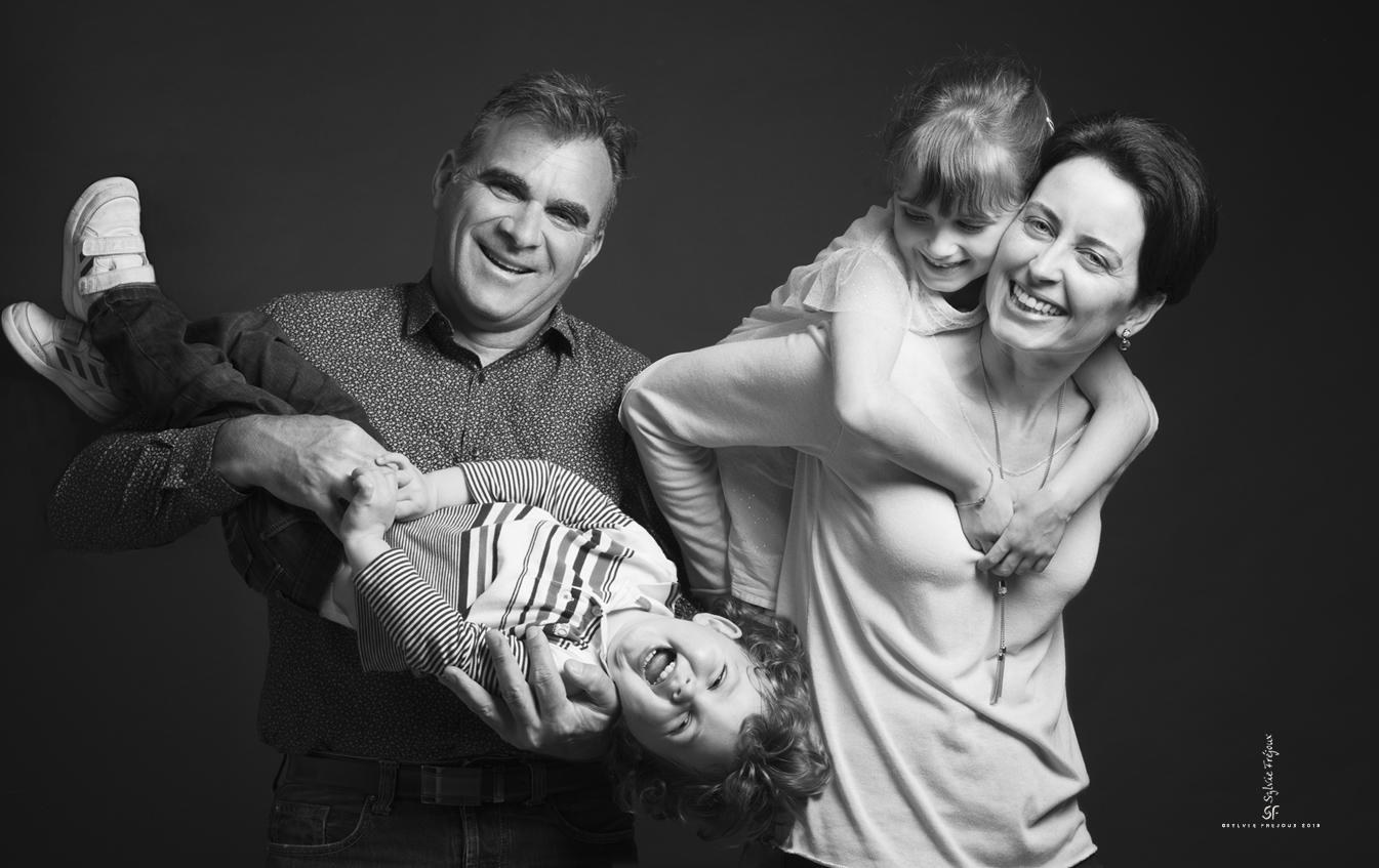photographe de famille en studio à toulon